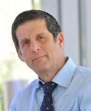 Daniel R Schwartz